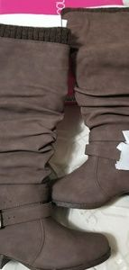 NWT Brown Boots